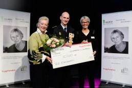 Helle Degn (formand for Tine Bryld Prisen), særprismodtager Rud Ellegaard og Dorte Lysgaard (Trygfonden).